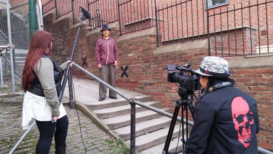 Behind the scenes 1 B